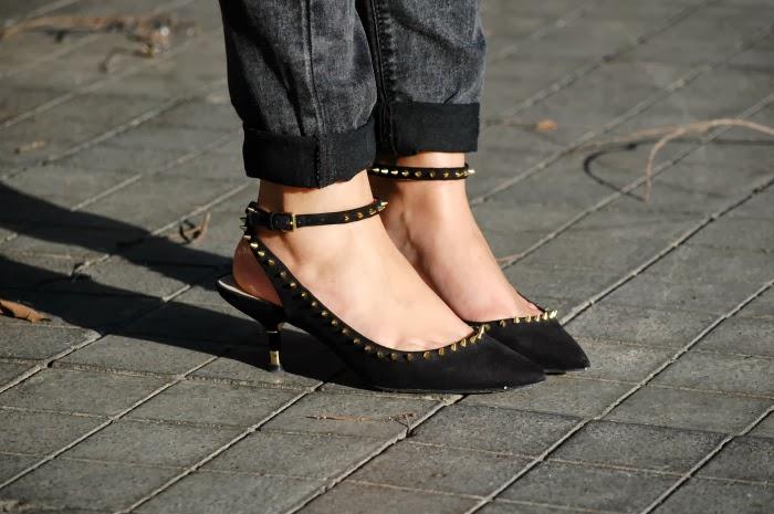 look_outfit_jersey_amarillo_mostaza_guess_zapatos_pico_pinchos_zara_nudelolablog_02