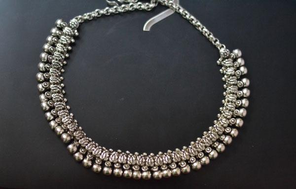 Imitation Silver Neckpiece Goa