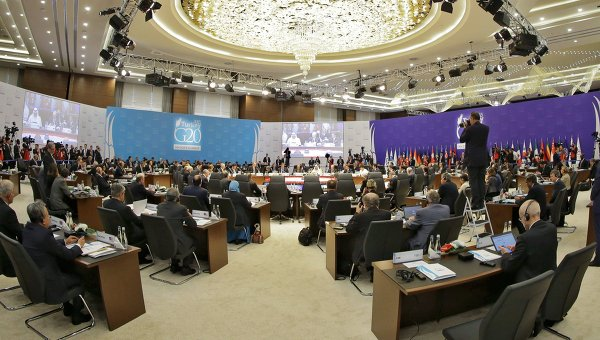 Putin presents evidence of illegal ISIS oil trade at G20