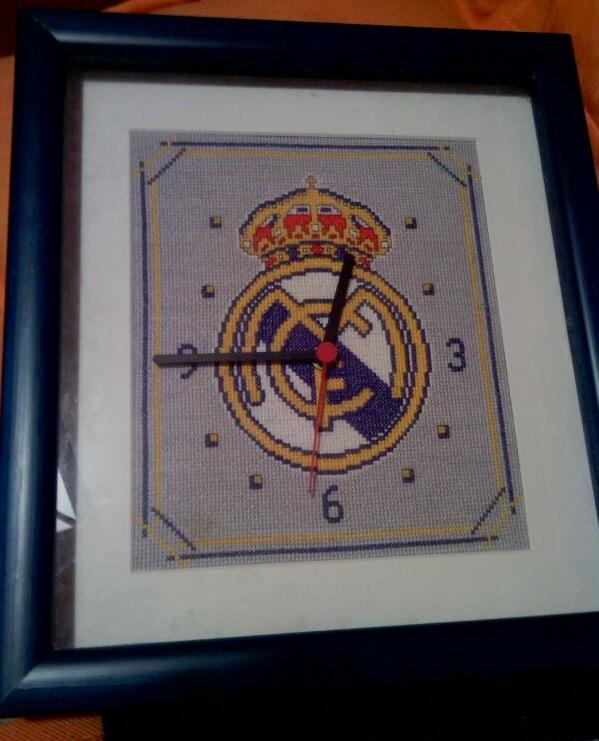 Reloj escudo real madrid punto de cruz - Imagui