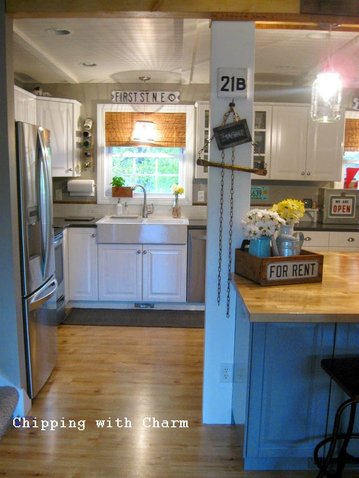 Chipping with Charm: Junky Kitchen Reveal...http://chippingwithcharm.blogspot.com/