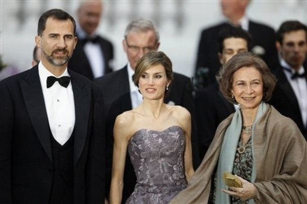 Spain 39s Queen Sofia Spain 39s Crown Prince Felipe and his wife Princess