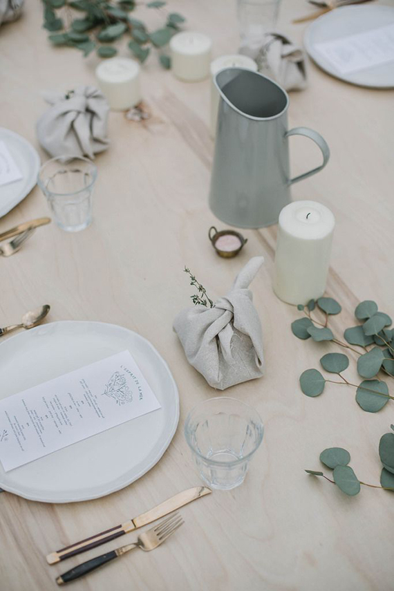 Image via coco lapine design follow this blog on bloglovin - 10 Understated Festive Table Setting Ideas My Paradissi