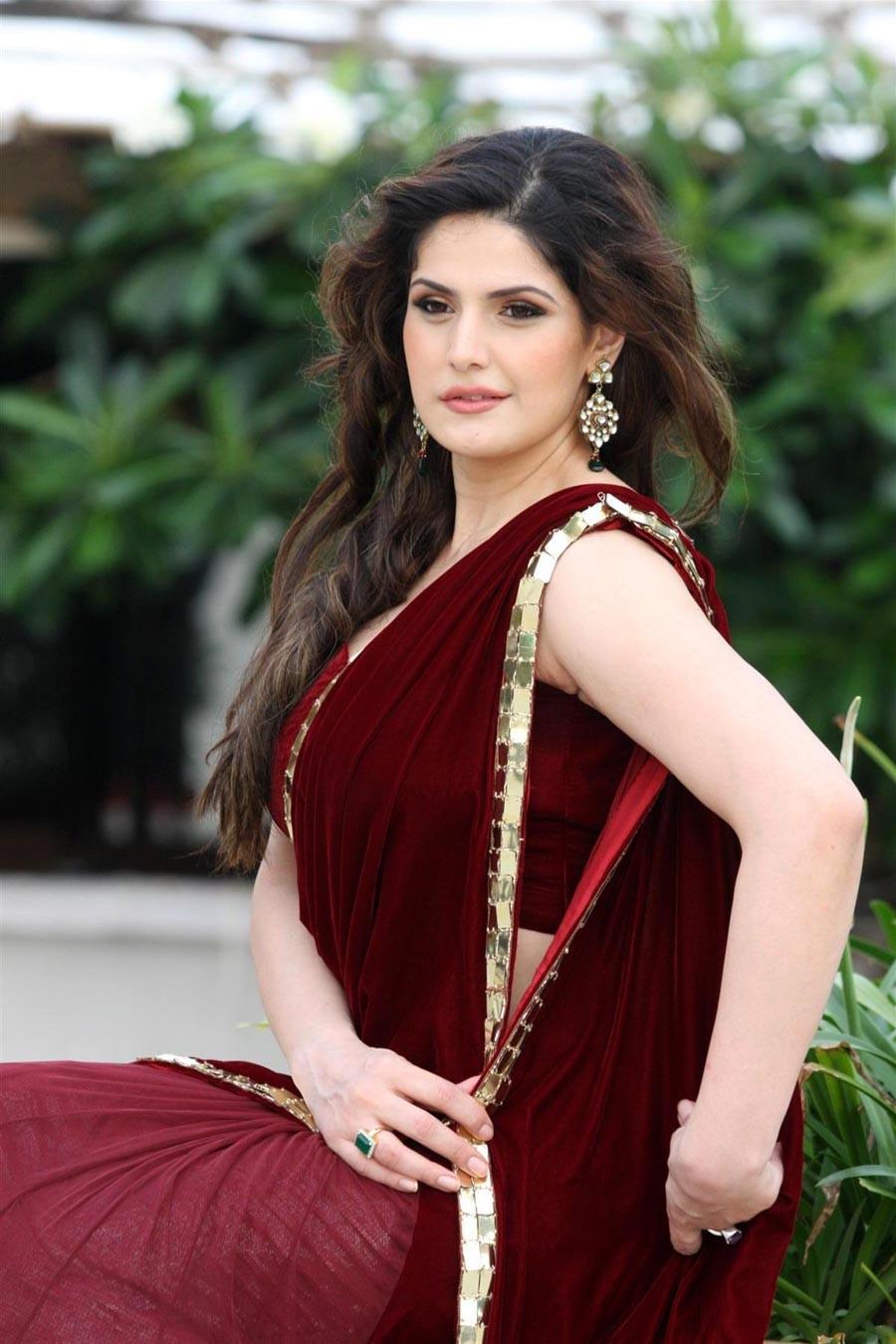 Zarine Khan Latest Hot Cleavage Show