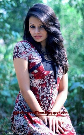 Bangladeshi+new+amateur+model+Orin+latest+unseen+picture+and+photos007