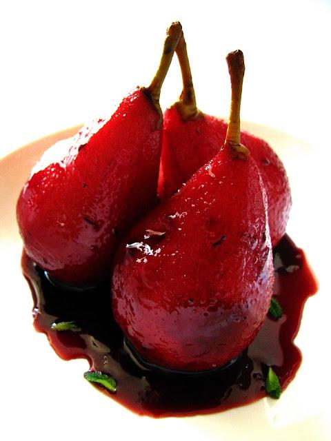 Poires pochées au vin rouge et au Rooibos // Dans la cuisine de Sophie