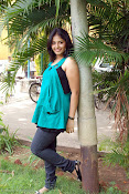 Actress Anjali New Photos, Anjali hot photoshoot stills-thumbnail-11
