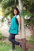 Actress Anjali New Photos, Anjali hot photoshoot stills-thumbnail-11