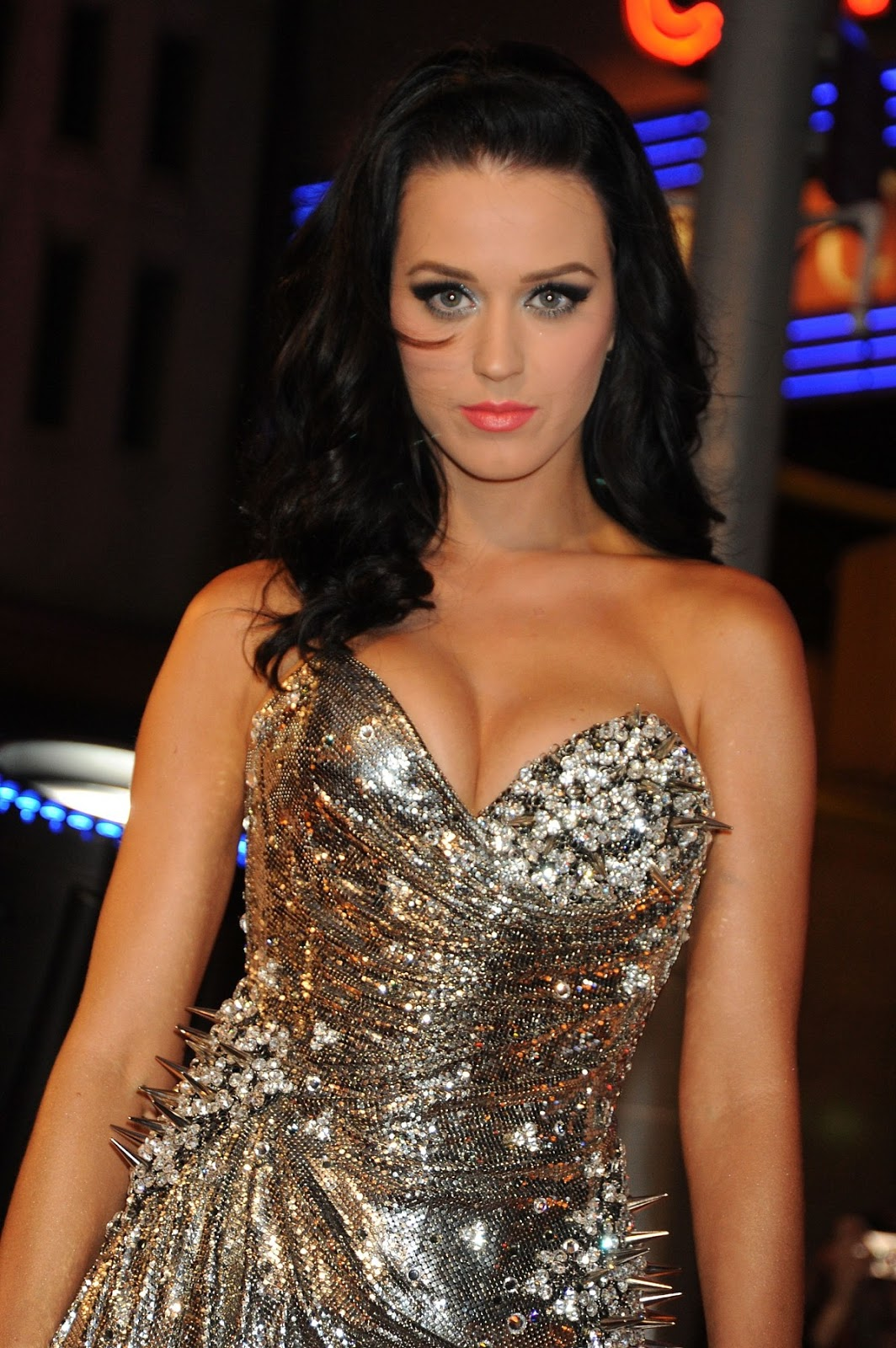 What was the exact date of when Katy Perry was born?