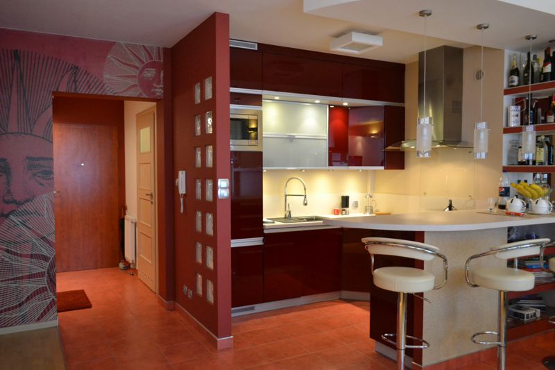 Portret wn trza otwarta kuchnia salon domowe biuro i for Projekty kuchni z salonem