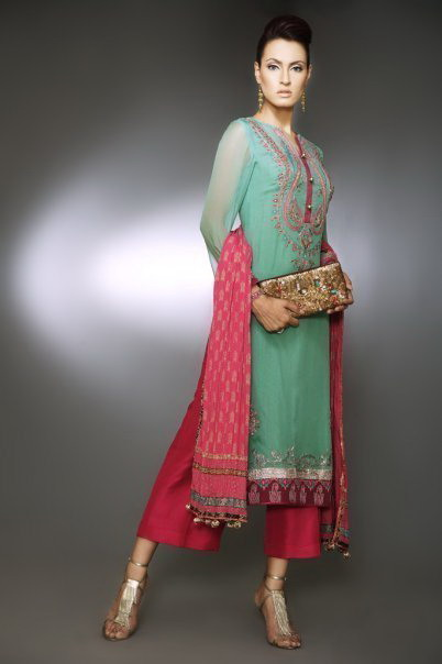 Fashion pathani dress for women Pakistani fashion designers