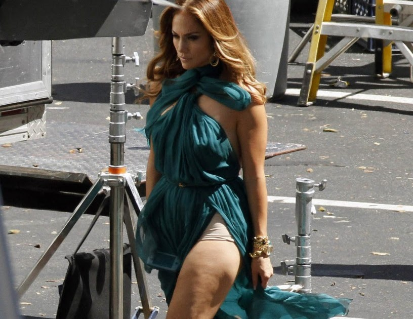 Upskirt falda larga calle - 3 part 4