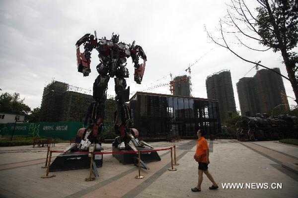 Optimus Prime Transformers di Jalan Wuhan, China