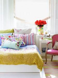 decoración de dormitorio lleno de color