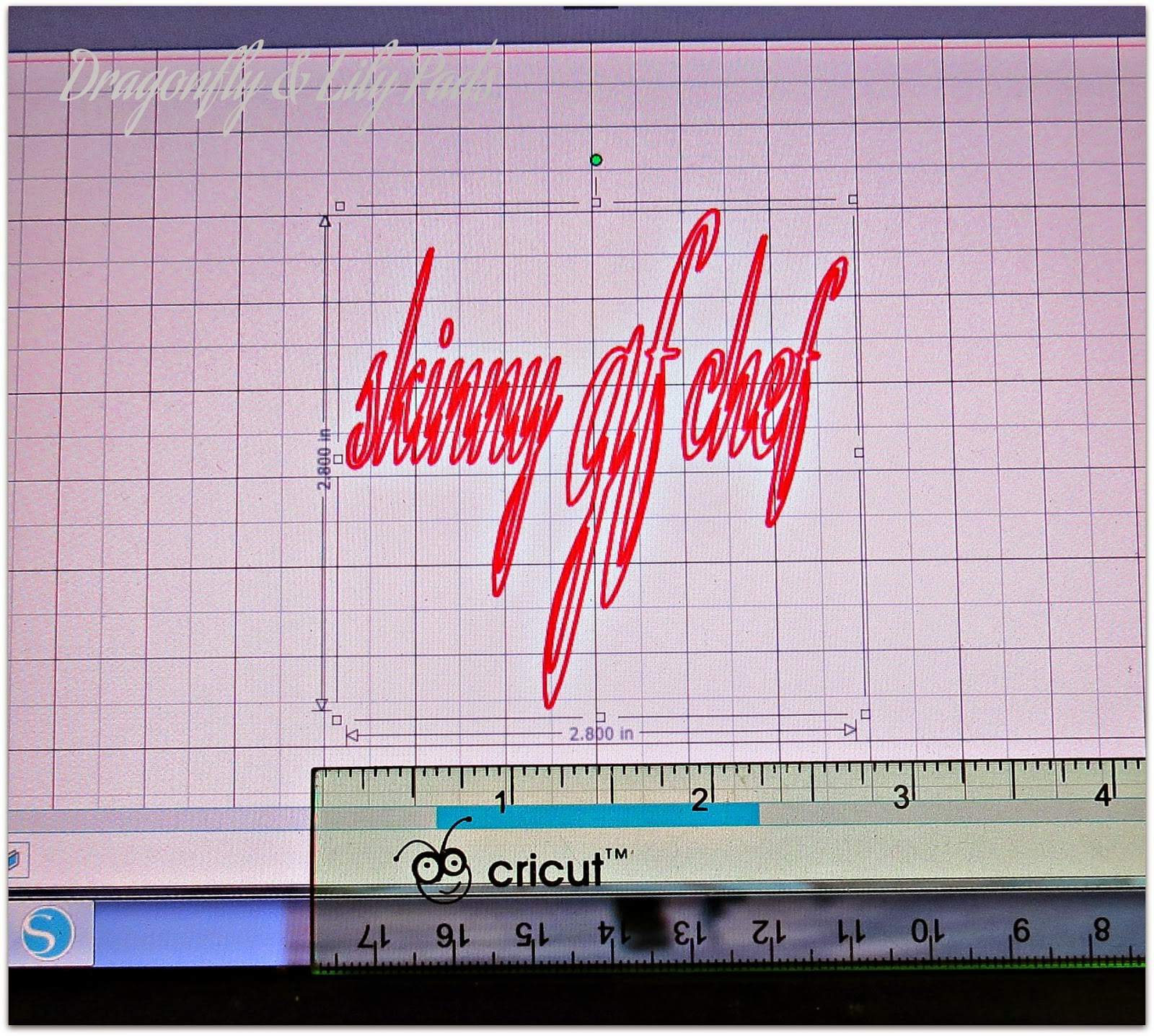 Vinyl screen shot of Silhouette Cameo Tutorial, Ruler to check size of vinyl project