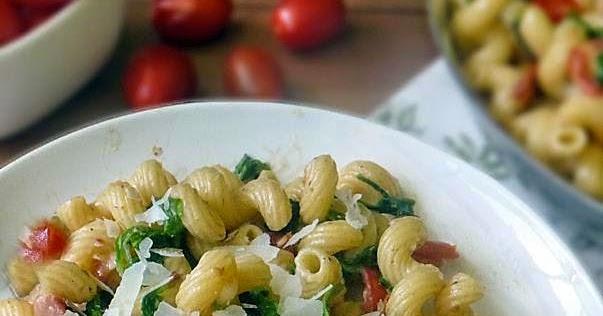 Bacon Lettuce and Tomato Pasta | Life Tastes Good