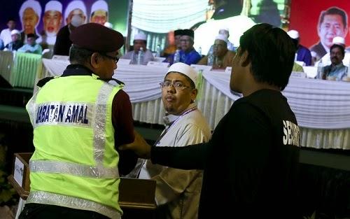 Perwakilan Serang Pemimpin PAS Dalam Doa Ketika Perbahasan