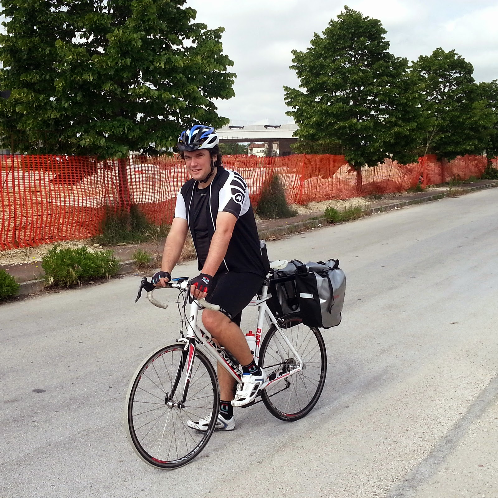 cycling holidays in marche italy