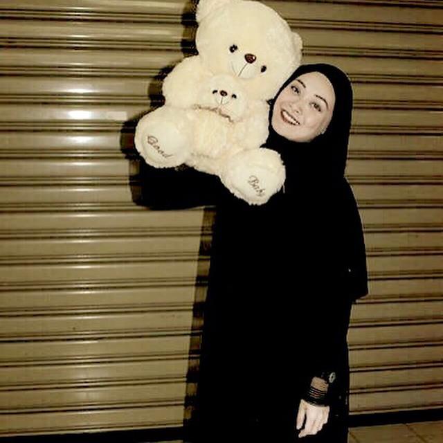 Adira dan Teddy Bear
