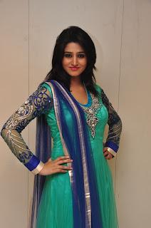 Model Shamili in chudidar at cmr event 006.jpg