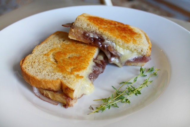 Beta's Bites: French Onion Soup Grilled Cheese