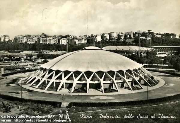 Rome - Italie - Petit Palais des Sports - Palazzetto dello Sport  Architecte: Annibale Vitellozzi  Ingenieur: Pier Luigi Nervi  Construction: 1956 - 1957