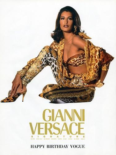 Versace e o retorno na alta costura  Alix Pinho