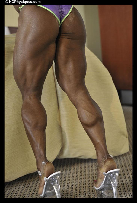 Wanda Keeler Flexes Her Muscular Calves And Backside