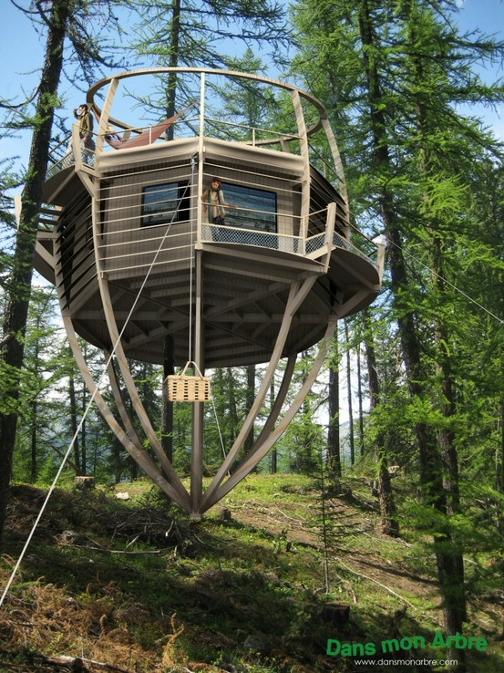 Top 10 tree houses most beautiful for Top 10 beautiful houses