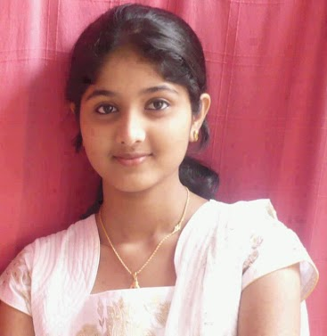 INDIAN GIRLS PHOTO: Simple cute indian girl