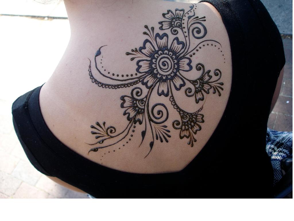 Tattoo Type Mehndi : Skin art types of