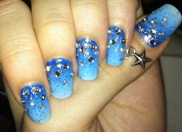 nerdy nails blue christmas