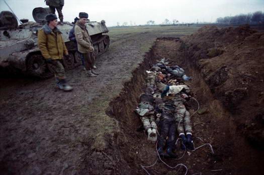 http://1.bp.blogspot.com/-AyRp0zIes78/T9xpsLNAUDI/AAAAAAAAaAI/ZYbPPGhknrg/s320/Mass_grave_in_Chechnya.jpg