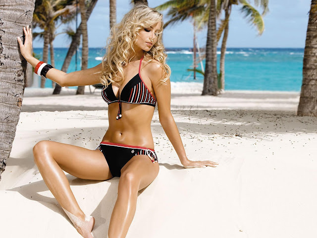 Beach Girls Wallpapers