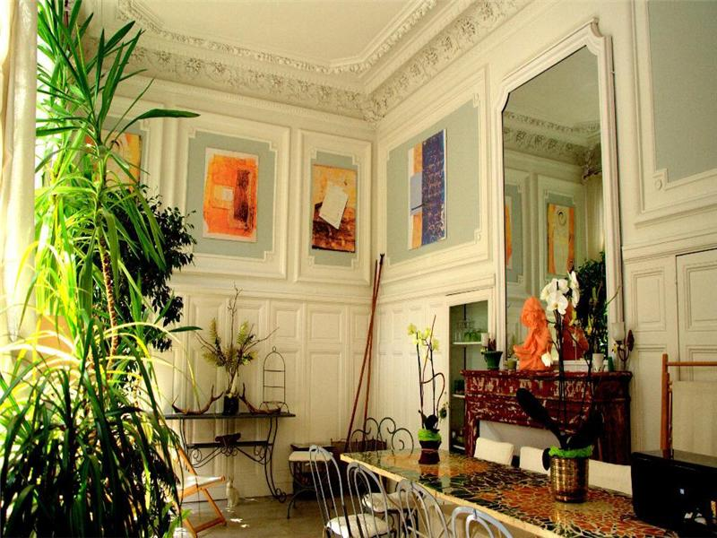 Old world gothic and victorian interior design may 2012 for Victorian style apartment