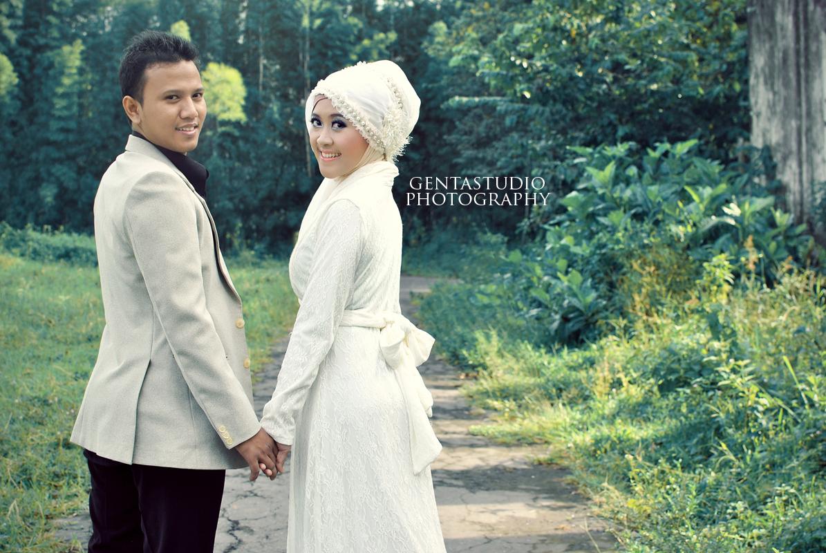 64 Foto Prewedding Muslim Outdoor Unik Ayeey Com Prewedding