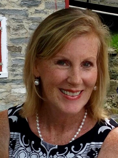 Award-winning author Mary Flinn