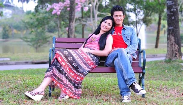 Gambar Fasha Sandha dan Johan Asari Bercinta