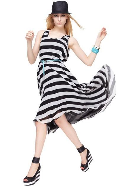 http://1.bp.blogspot.com/-Ayr5aV6UjOU/UBUXv7GoK5I/AAAAAAAABtQ/sWRmqSyEVSk/s640/wide-transverse-stripe-detail-sleeveless-expansion-dress.jpg