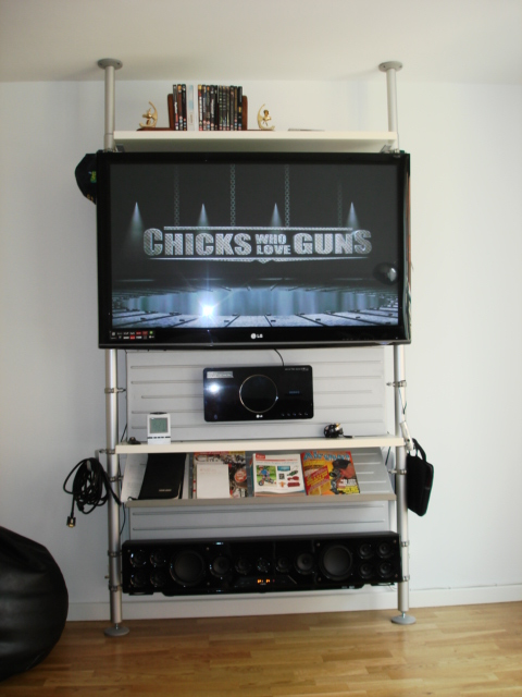 Stolmen Plasma TV & gadget mount