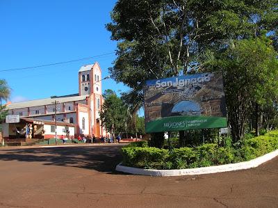 Iglesia de San Ignacio, Misiones, Argentina, vuelta al mundo, round the world, La vuelta al mundo de Asun y Ricardo