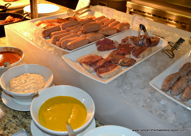 bbq buffet in Horizon Amwaj Rotana