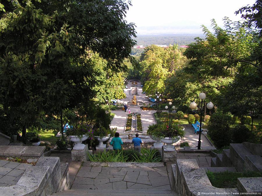 Каскадная лестница в железноводском курортном парке