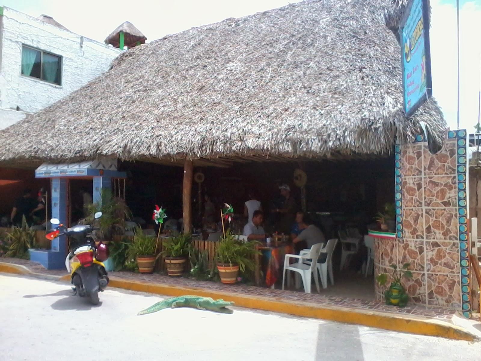 rio lagartos yucatan mexico pueblo restaurante