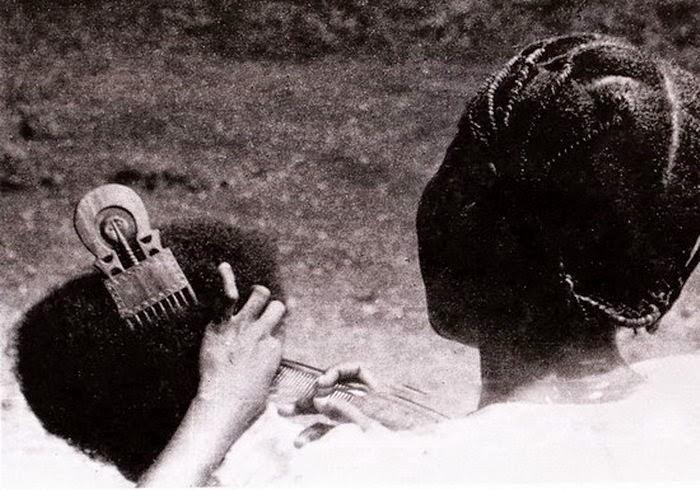Le Peigne Africain, Parure de tête