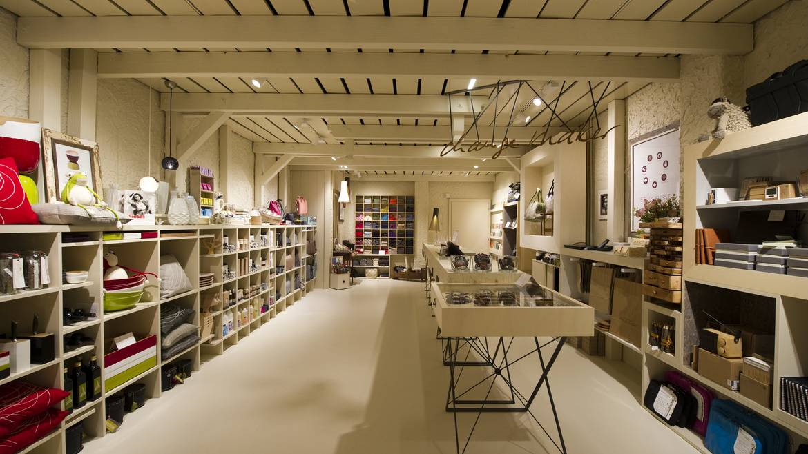 Imagine these retail interior design change maker shop for Retail store interior design