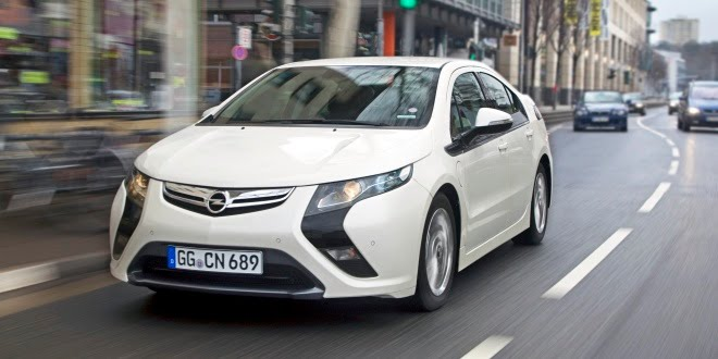 Ampera on the street