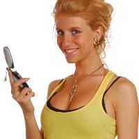 Jangan Gantung Ponsel Dekat Payudara