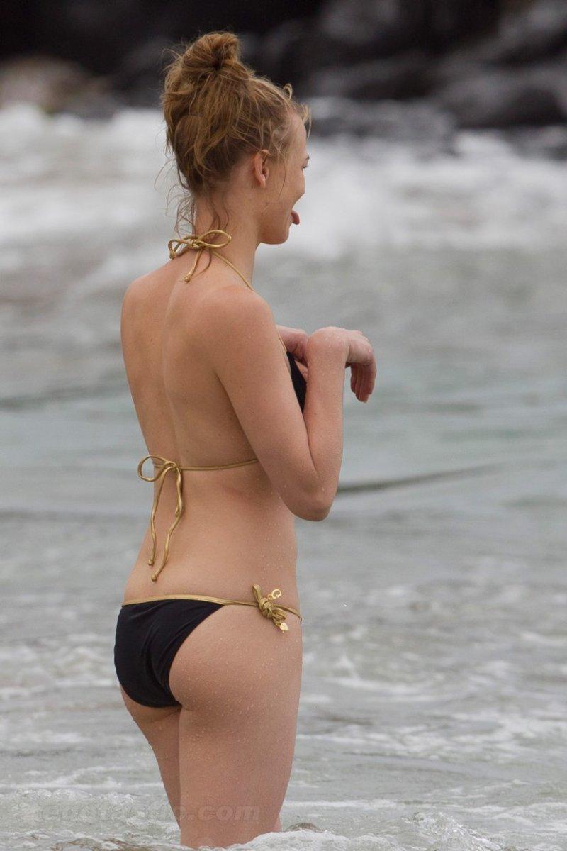 Yvonne%252BStrahovski%252B %252Bwearing%252Ba%252Bbikini%252Bwhile%252Bin%252BMaui7 Gwen Stefani – in a bikini top, France – May 14 394423