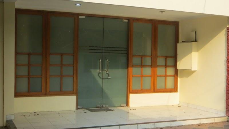Bermukim di Kebayoran Baru, Jakarta Selatan: rumah dijual